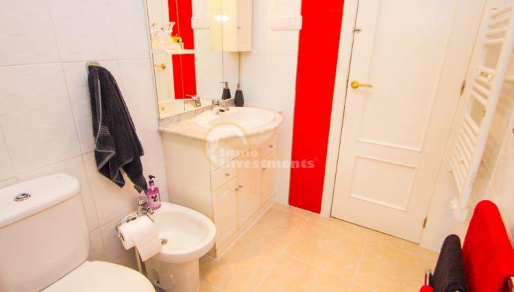 ref 4666 bathroom 2